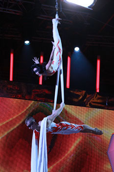 Duo Pospelov - aerial duo on silks